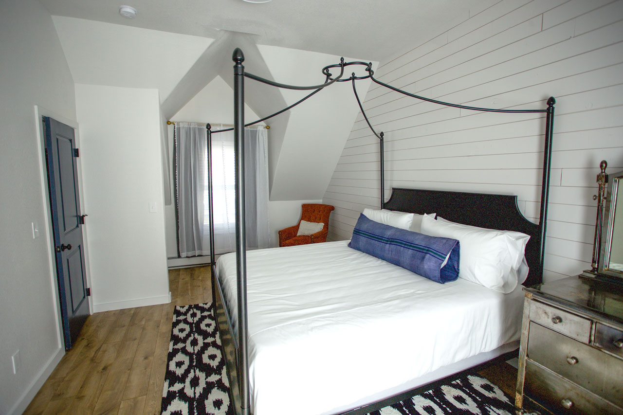 carriage house bedroom for short term rental