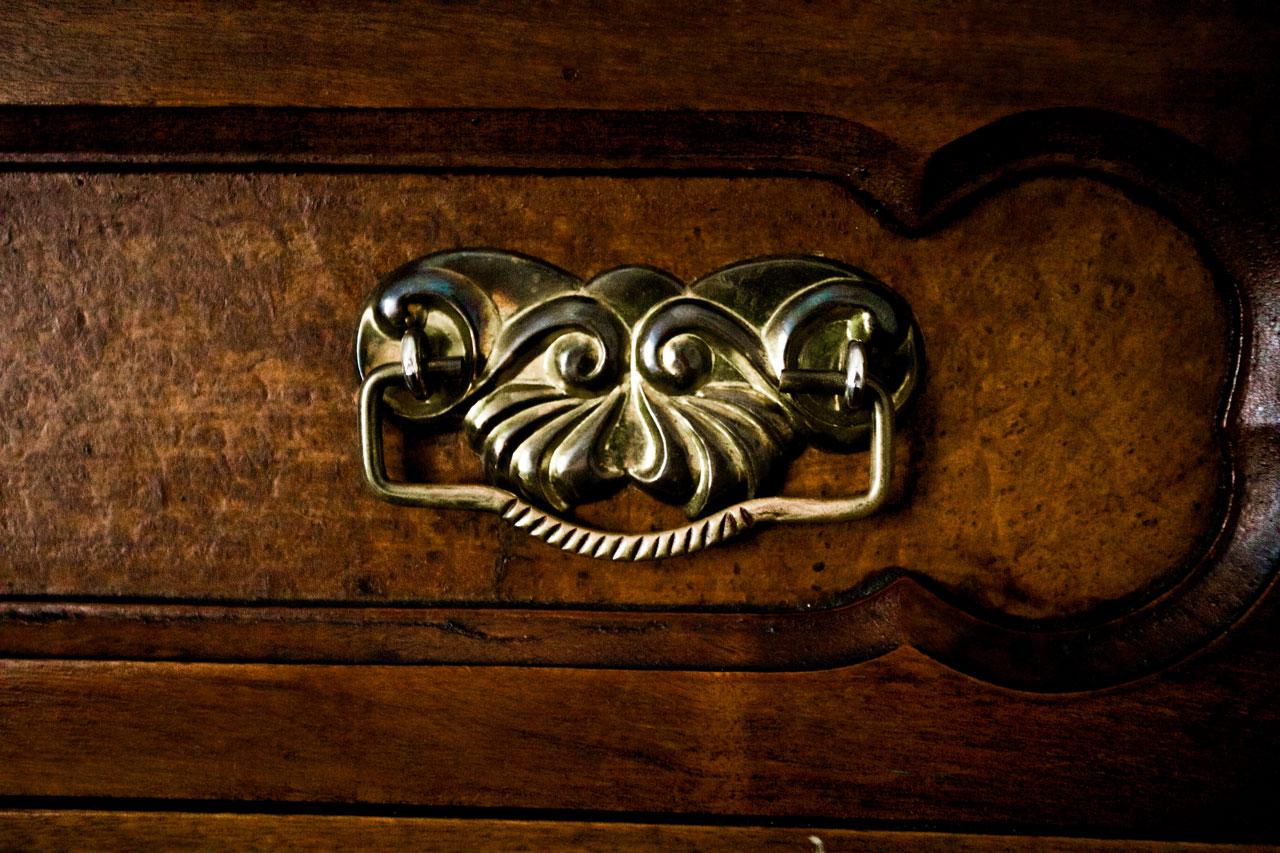 antique cabinet hardware